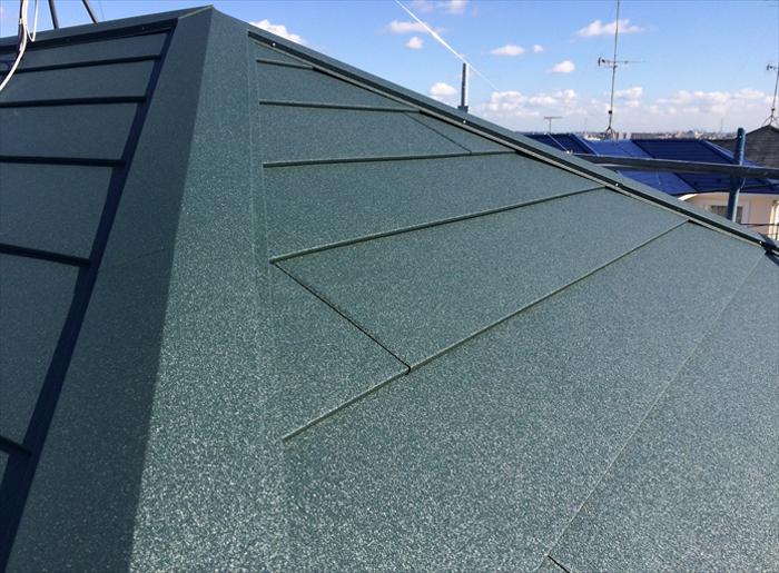 SGL鋼板の屋根材であるスーパーガルテクト