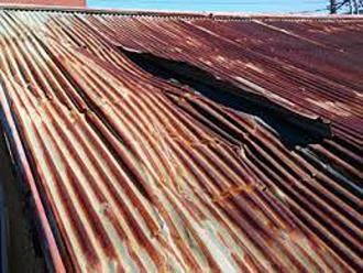 錆が発生しているトタン屋根