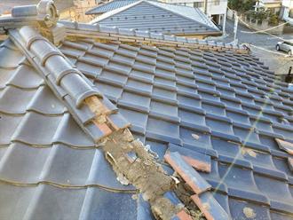 台風被害を受けた屋根