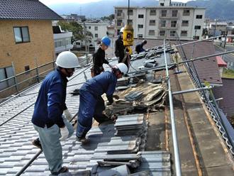 瓦から軽量な屋根材への葺き替え