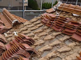 瓦の屋根葺き替え