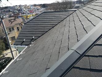 風の影響を受けやすい立地のスレート屋根