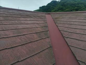 表面の塗膜が劣化してしまっているスレート屋根