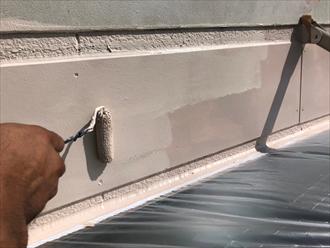 玄関庇の交換 ケイカル版を塗装