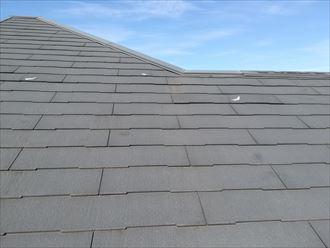 風の影響を受けやすいスレート屋根