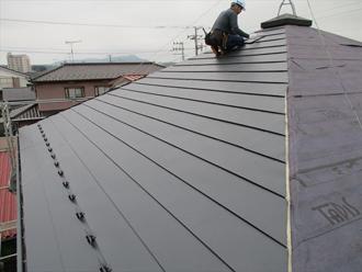 方形屋根の葺き替え工事
