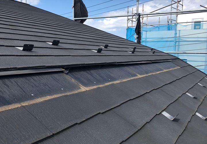 マンサード納めのスレート屋根