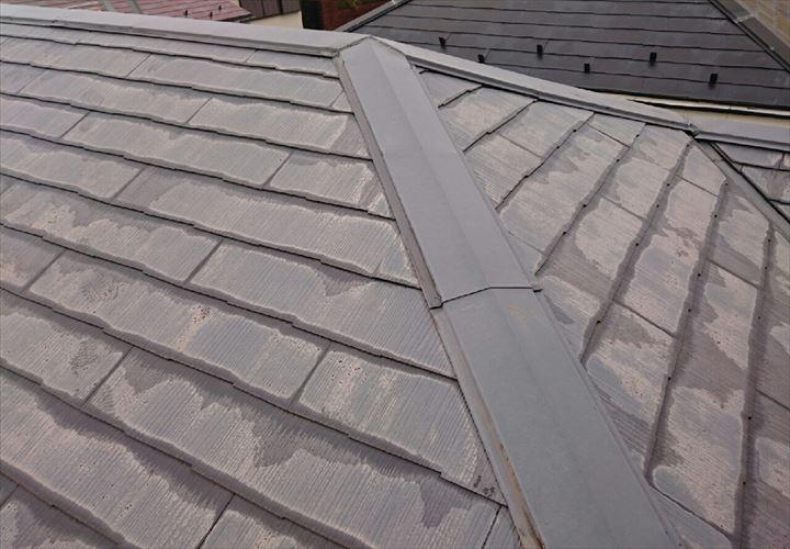 棟板金による騒音が発生したスレート屋根