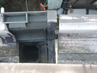 集水器と軒樋に発生した隙間