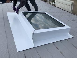 天窓の補修の様子