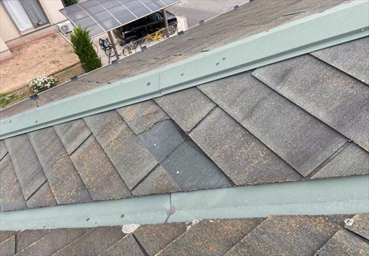 剥がれた屋根材