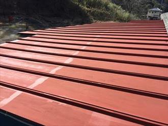 屋根の下塗り(錆止め)