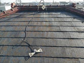 アンテナの機器が屋根へ落下