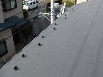 横浜市緑区 雪止め金具設置 千鳥配置