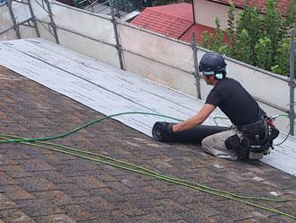 横浜市緑区 屋根カバー 防水紙設置