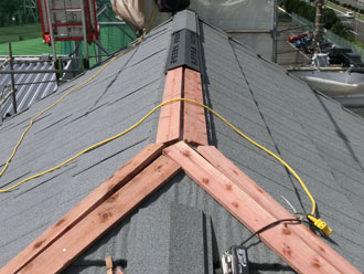 横浜市緑区 屋根カバー 新規棟板金・貫板設置 換気棟