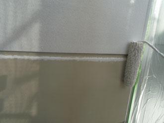 横浜市緑区 外壁塗装 中塗り 水系ファインシリコン